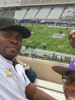 Jeffrey attended Zaxby's Heart of Dallas Bowl - Washington Huskies vs. Southern Miss Golden Eagles - NCAA Football on Dec 26th 2015 via VetTix
