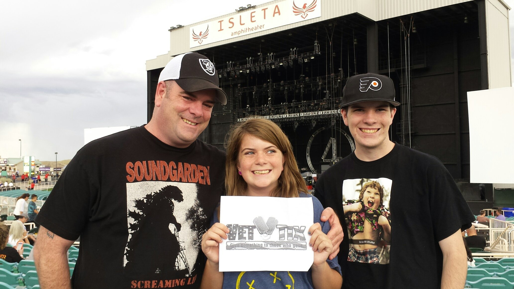 f8ef7fe4c216 John attended 40th Anniversary Tour - Foreigner With Cheap Trick and Jason  Bonham s Led Zeppelin Experience