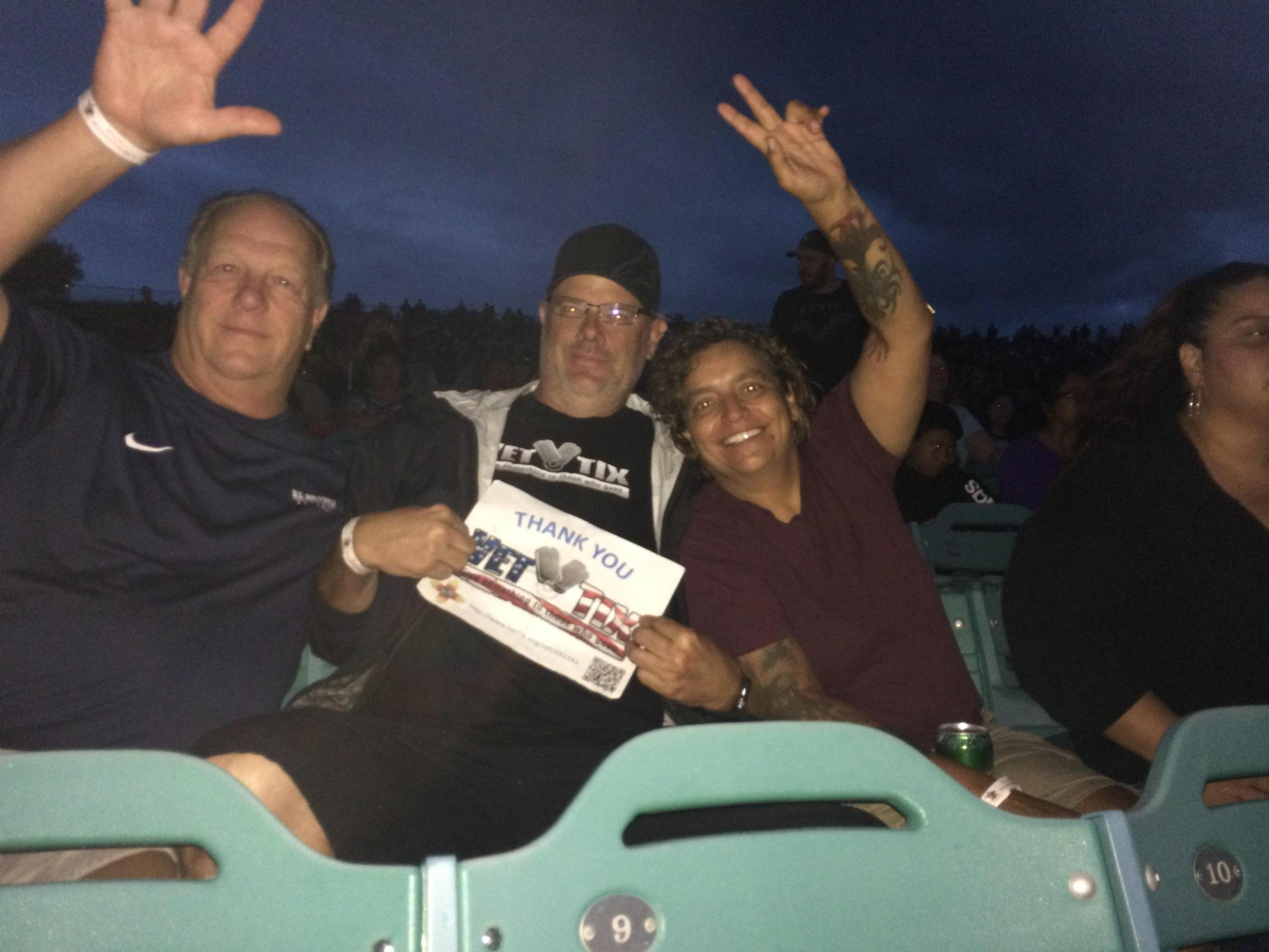 37b561ddd0ce Steven attended 40th Anniversary Tour - Foreigner With Cheap Trick and  Jason Bonham s Led Zeppelin Experience