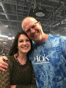 Thomas attended Shania Twain Now Tour on May 16th 2018 via VetTix