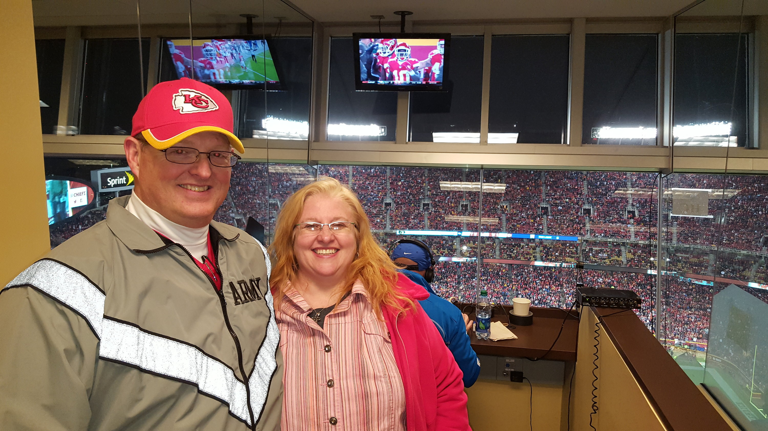 Thank you messages to veteran tickets foundation donors patrick attended kansas city chiefs vs denver broncos nfl kurt warner meet and m4hsunfo