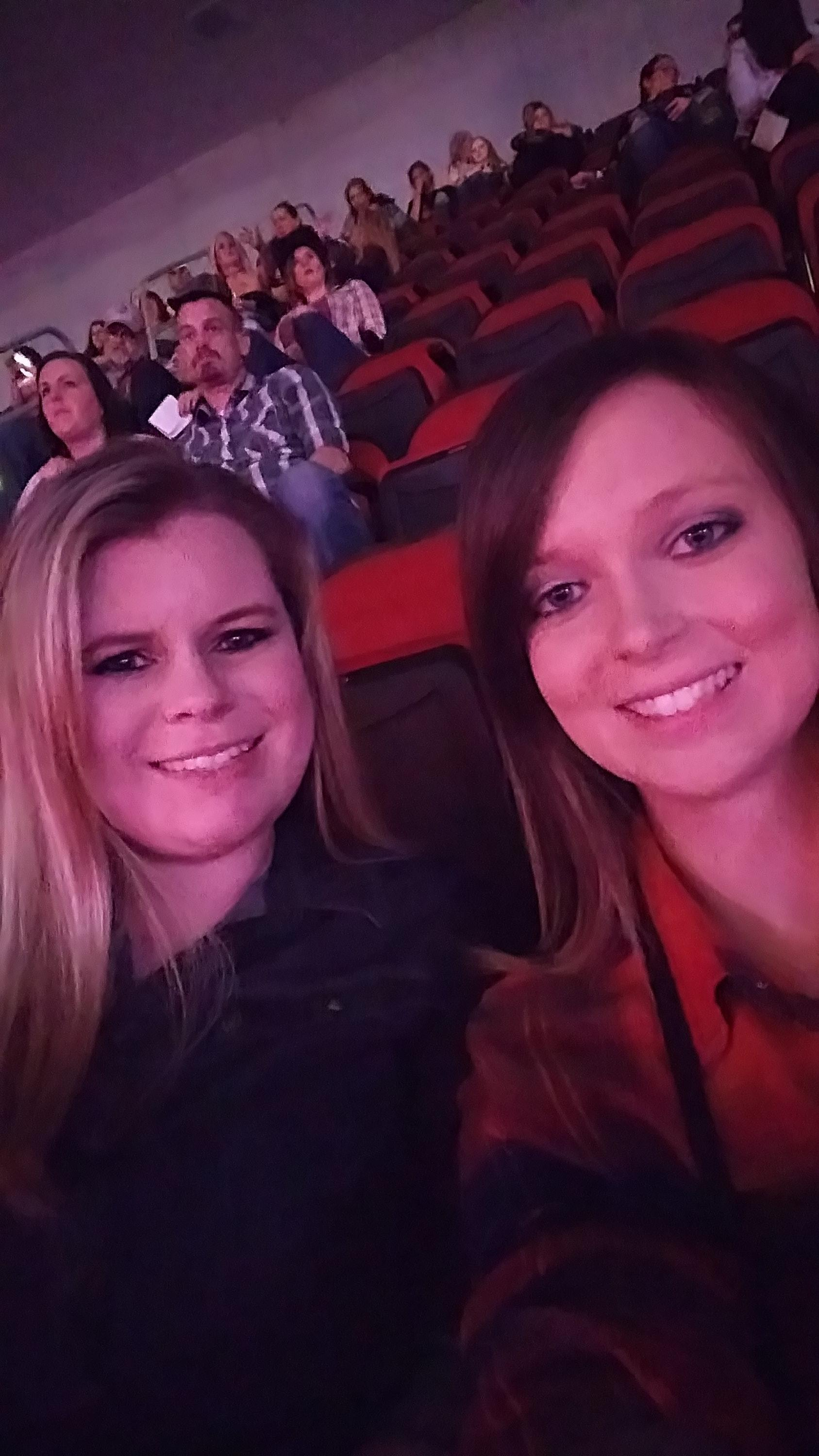Kandace Attended Jason Aldean They Dont Know Tour 2017 With Special Guest Chris