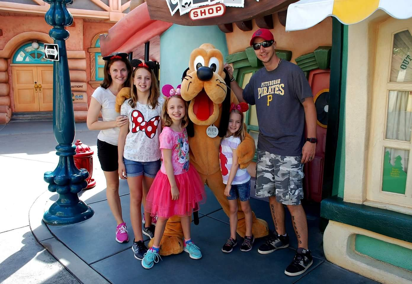 Past wishes me and my family would like to thank all of the donors who made this possible this trip to disneyland was amazing my girls loved it the wife had a blast m4hsunfo